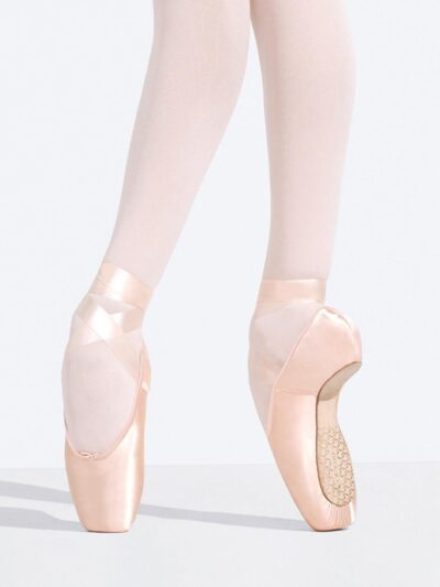 capezio developpe pointe shoe